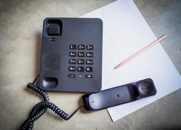 Telefono e carta
