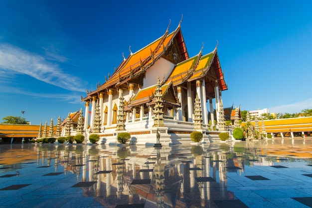 Tempio a bangkok wat suthat, tailandia.