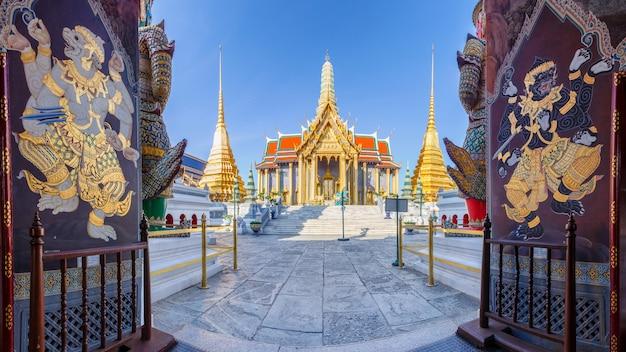 Tempio antico di wat phra kaew a bangkok tailandia