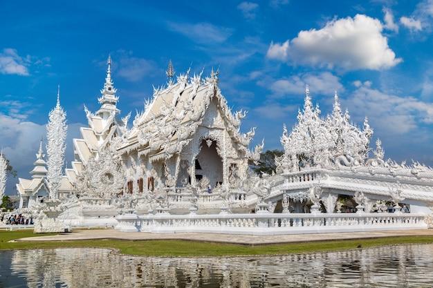 Tempio bianco (wat rong khun) a chiang rai