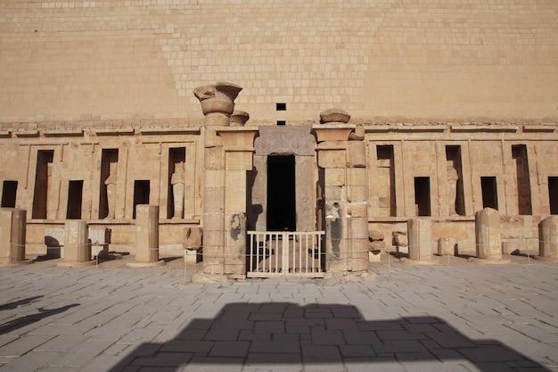 Tempio della regina hatshepsut a luxor, in egitto