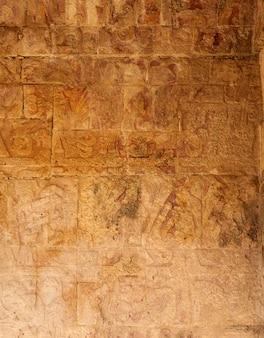 Tempio di giaguari a chichen itza in messico