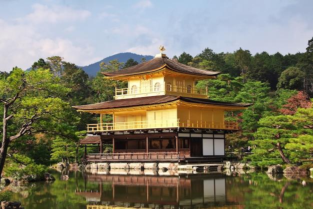 Tempio di kinkakuji a kyoto, in giappone