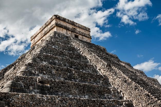 Tempio di kukulcan a chichen itza