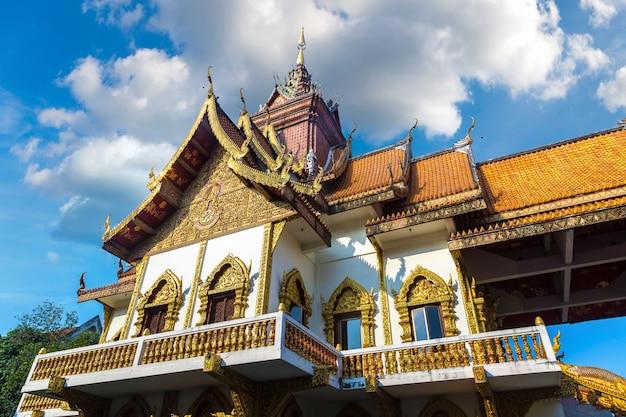 Tempio di wat buppharam buddhists in chiang mai, tailandia