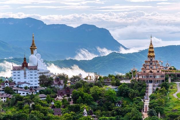 Tempio di wat phra that pha son kaew, khao kho, phetchabun, tailandia