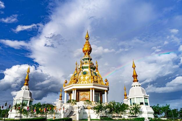 Tempio di wat thung setthi alla provincia di khonkaen tailandia