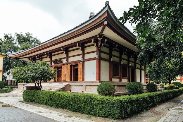 Tempio giapponese di indosan nippon a bodh gaya, bihar, india.