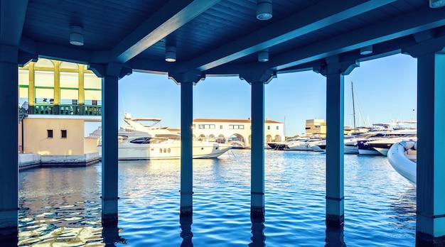 Tenda da sole e yacht a limassol cipro