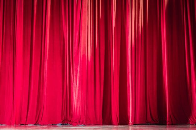 Tende di velluto rosso