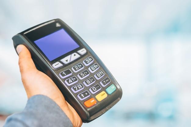 Terminale di pagamento pronto per la ricarica