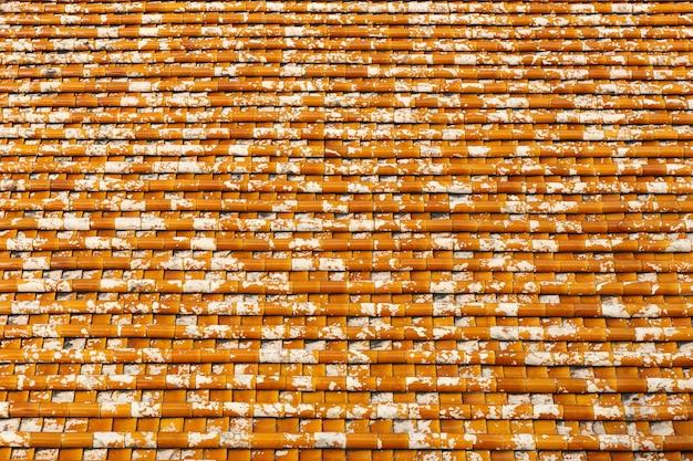 Tessitura tetto di tegole