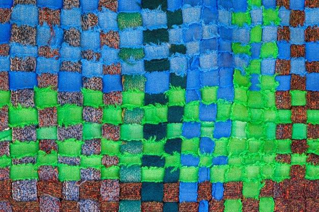Tessuto fatto a mano da strisce multicolori