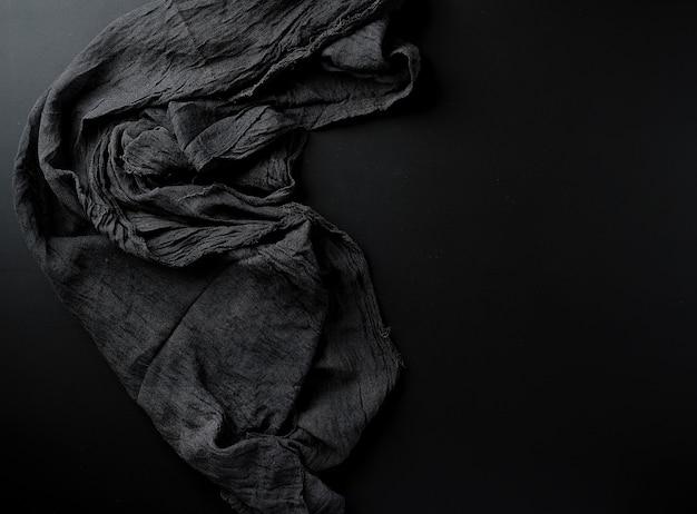 Tessuto sgualcito in garza nera