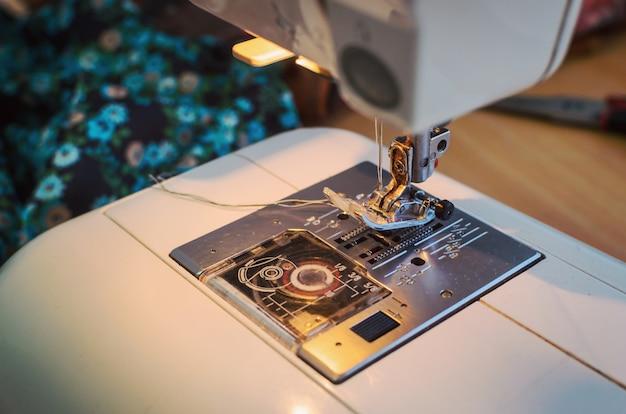 Testa della macchina per cucire