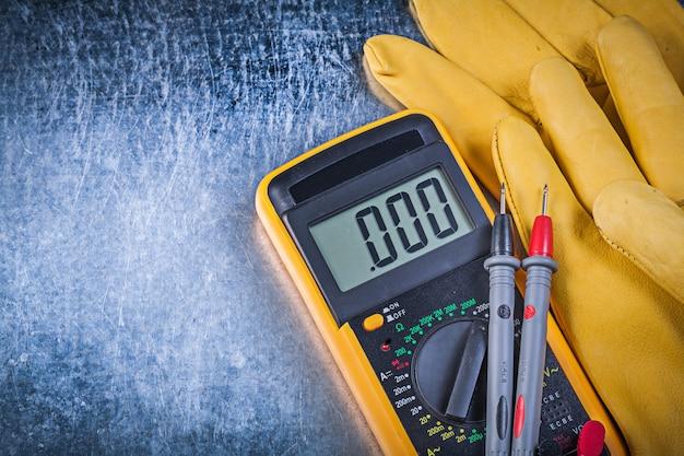 Tester elettrico digitale, puntali e guanti protettivi