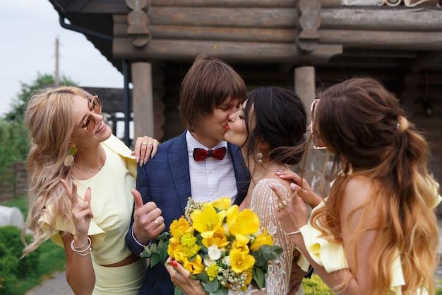 Testimoni dello sposo e damigelle
