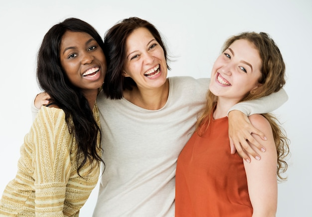 Tiro dello studio di prossimità del gruppo degli amici delle donne