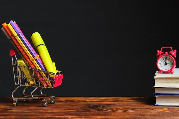 Torna al concetto di scuola per acquistare articoli di cancelleria