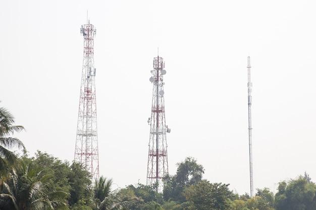 Torri di trasmissione delle telecomunicazioni