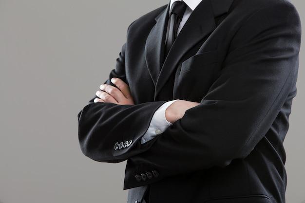 Torso di uomo d'affari in tuta