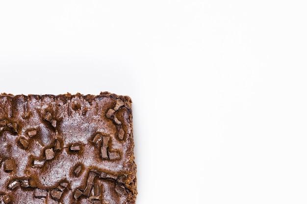 Torta al cioccolato al piatto e piatta