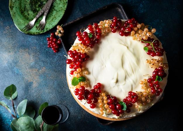 Torta di ciliegie. torta russa