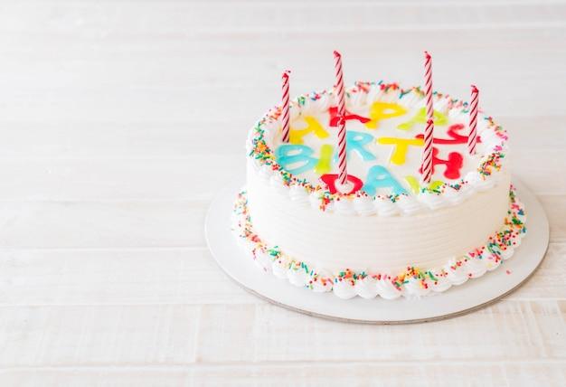 Torta di compleanno felice
