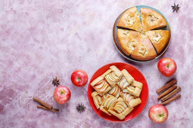 Torta di mele fatta in casa, torta e galette.