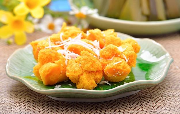 Torta di palma con dessert tailandese al cocco