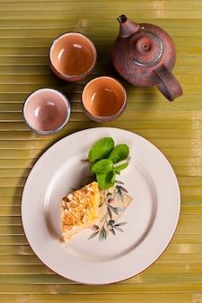 Torta napoleone. concetto di cibi e bevande