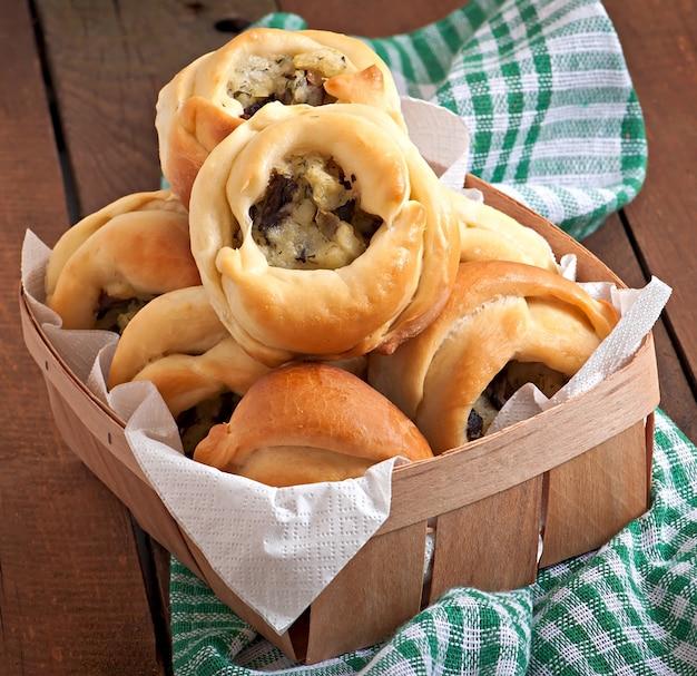 Tortini con patate e funghi