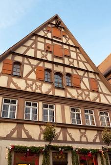 Tradizionale casa a graticcio a rothenburg ob der tauber