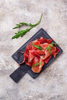 Tradizionale jamon di carne stagionata spagnola