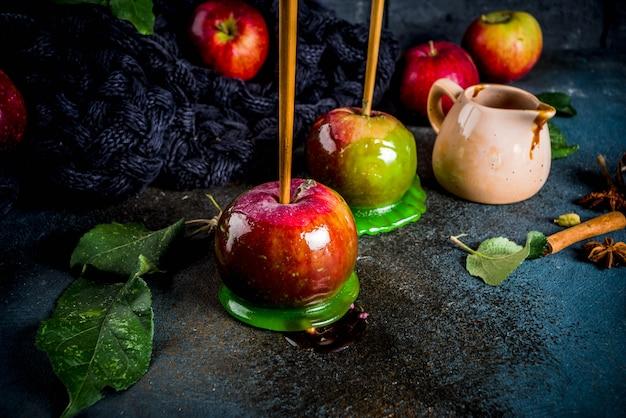 Tradizionale prelibatezza autunnale, mele con glassa al caramello