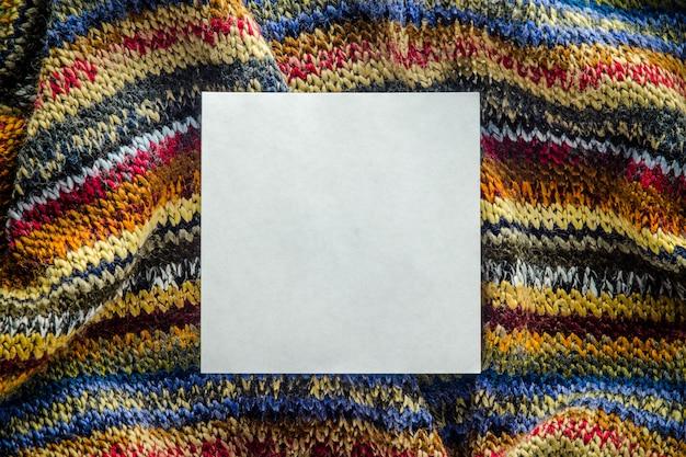 Trama a maglia con spazio bianco bianco