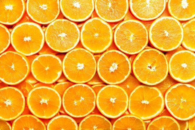 Trama di frutta fresca a fette arancione. macro, vista dall'alto, copia spazio. cibo. arance succose