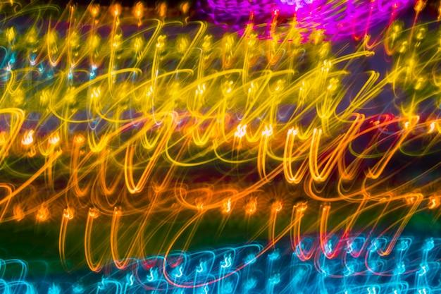 Trama di luci al neon lunga esposizione gialla