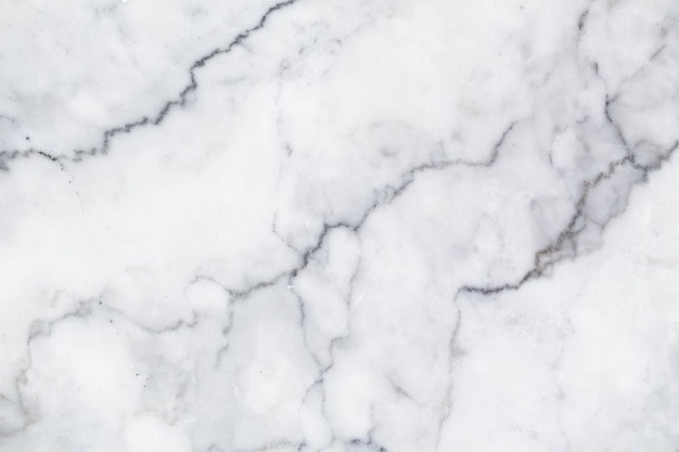 Trama di marmo bianco naturale per sfondo lussuoso carta da parati piastrelle di pelle. design di fondali per interni in pietra di arte ceramica creativa. immagine ad alta risoluzione.