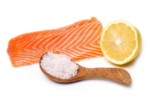 Trancio di salmone crudo