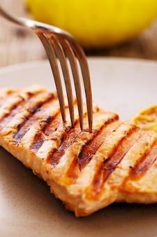 Trancio di salmone grigliato