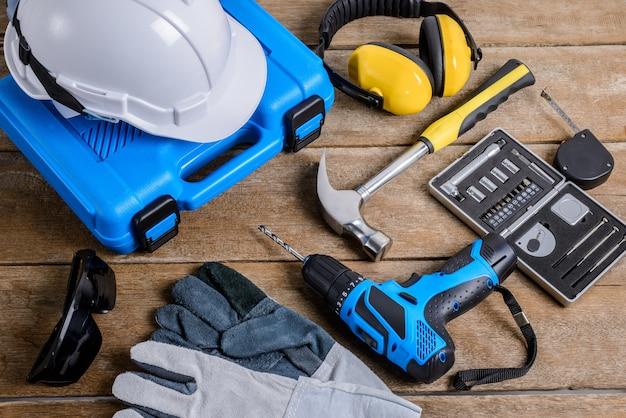 Trapano e set di trapano, attrezzi, falegname e sicurezza