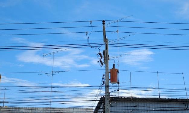 Trasformatore su palo trasformatore monofase per la conversione di elettricità ad alta tensione