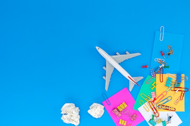 Trasporto di affari e concetto di sfondo di viaggio