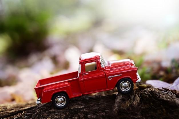 Trasporto di giocattoli pickup modello di primo piano
