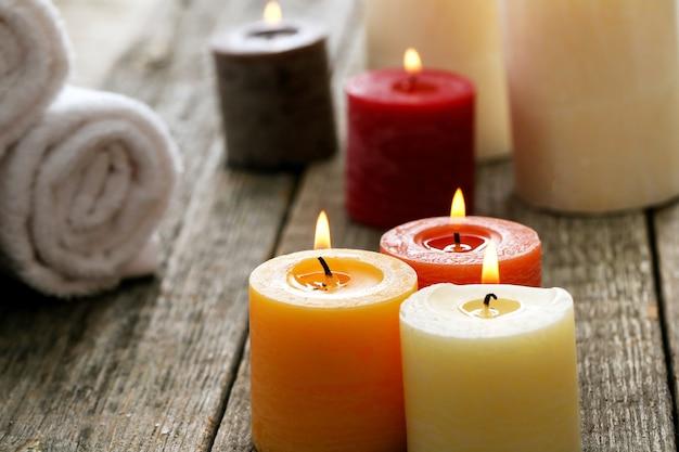 Trattamento aromaterapico con candele