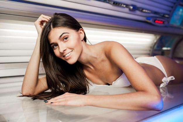 Trattamento letto trattamento abbronzante solarium di bellezza