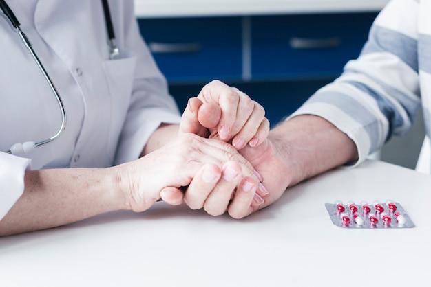 Trattamento medico con pillole