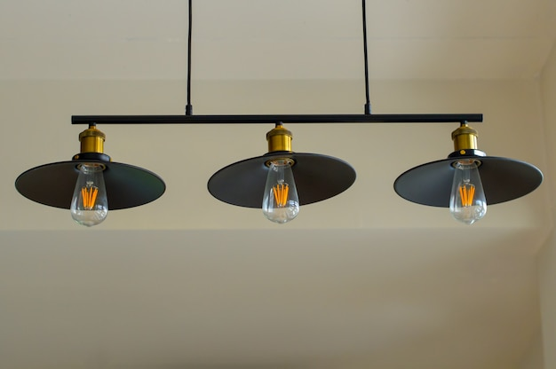 Tre bellissime lampade decorative utilizzate per la decorazione.