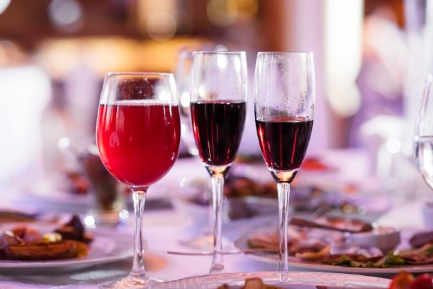 Tre bicchieri di vino